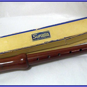 Vintage SONATA WOODEN Recorder - Germany Musical Instrument ( w/Box ) 2/of 3 types of Posts - Musical Instruments