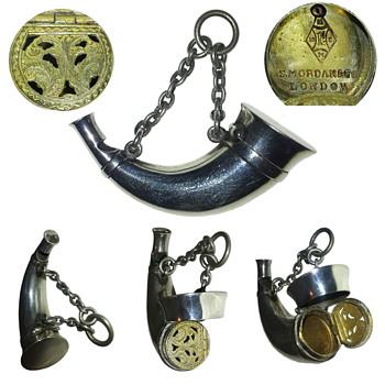 Silver vinaigrette whistle. - Accessories