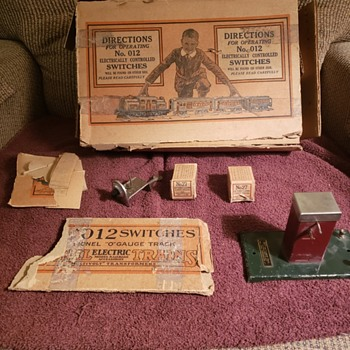 Vintage Lionel Switches and such - Model Trains