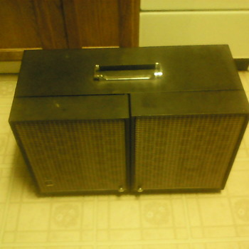 GE Record Player With AM/FM Radio