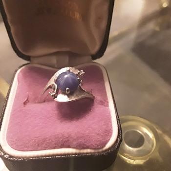 Star sapphire set in a Palladium ring - Fine Jewelry