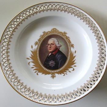 Porzelain Plate with Prussian King Frederic II. Berlin KPM 19Cent - China and Dinnerware