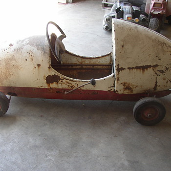 Kids gas powered pedal car I think - Model Cars