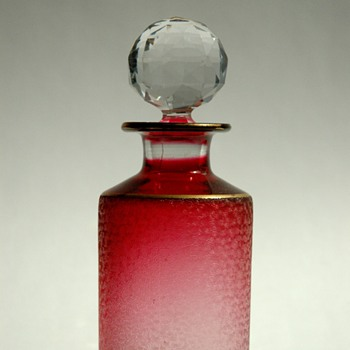 french victorian SAINT LOUIS cristal perfume bottle in  ruby colour. - Art Glass