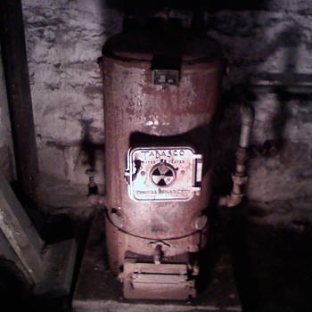 Tabasco wood burning hot water heat with tank and sink,  1892
