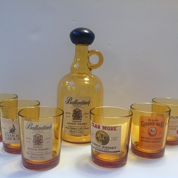 Ballantine's Finest Scotch Whisky set - Bottles