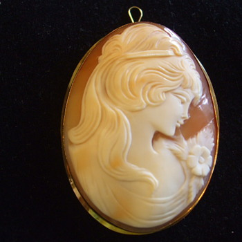 Large Shell CAMEO Brooch- Girl With Flower- Marked 750 - Fine Jewelry