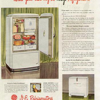 mid 40s G.E. delux Refrigerator - Kitchen