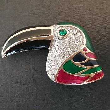 Carolee toucan brooch  - Animals