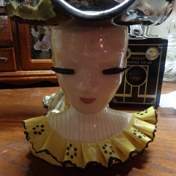 Mary Lou By Betty Lou Nichols Lady Head Vase - Pottery