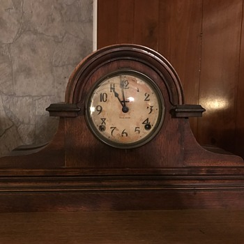 E. Ingraham Mantle Clock