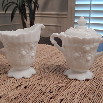 Fenton sugar & creamer sets - Glassware