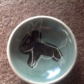 Small round pin dish? - Pottery