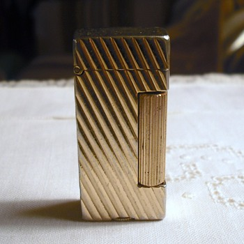 "Rare Dunhill Gold Plate Mini Rollalite ""not made anymore"" - Tobacciana"