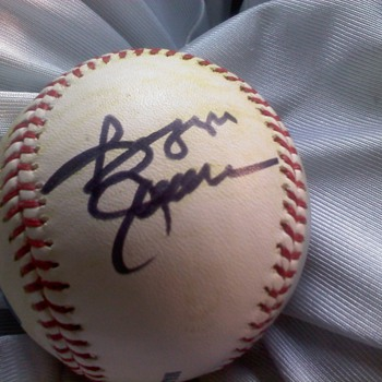 MLB game used ball signed by Reggie Jackson