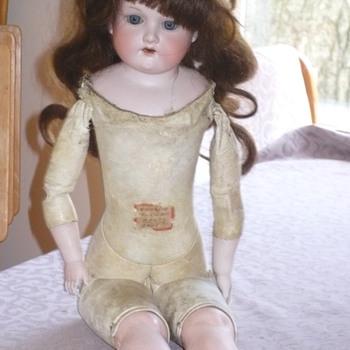 Need help identify Armand Marseille Doll  - Dolls