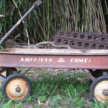 American Comet vs Radio Flyer Pull Wagon - Sporting Goods