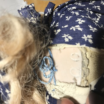 Unable to identify doll - Dolls