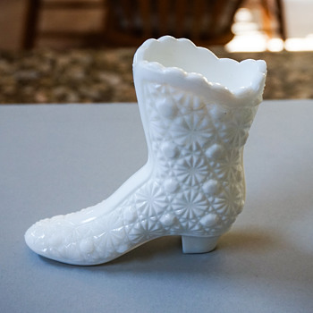 Vintage Fenton Daisy and Button Glass Boot Vase