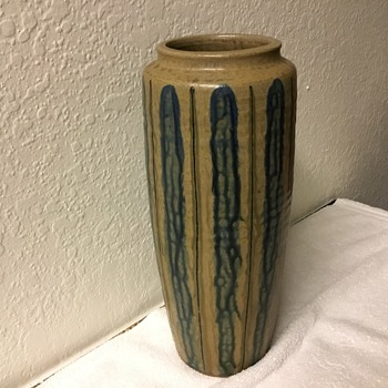 Unusual Vase Tobacco Spit Glaze - Pottery