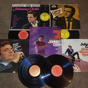 JOHNNY CASH - Records
