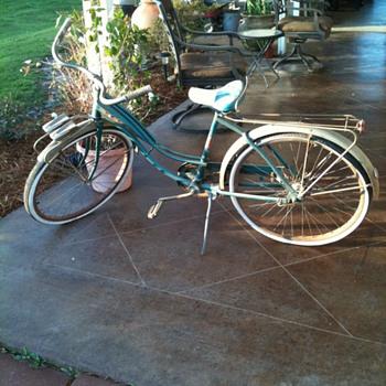 Columbia Goodyear Hi way Patrol Bicycle - Sporting Goods