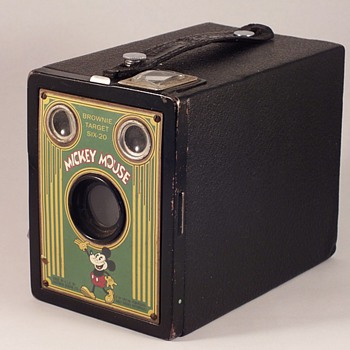 KODAK'S BROWNIE TARGET SIX-20 CAMERA MICKEY MOUSE FACEPLATE