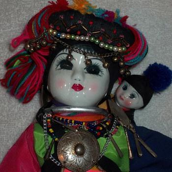CERAMIC DOLL - Dolls