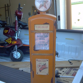 Mini Texaco Fire Chief Gas Pump