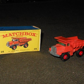 Miniature Matchbox Mack Truck Monday MB 28 - Model Cars