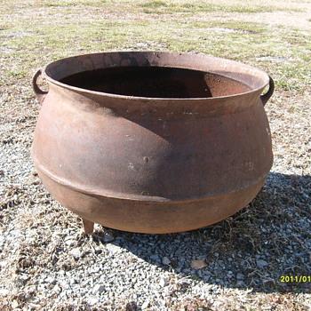 Cast Iron Pot - Kitchen
