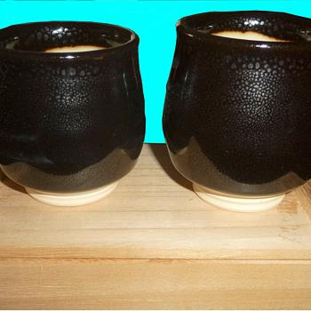 Akahada (?) yuteki tenmoku glaze meoto yunomi set - Asian