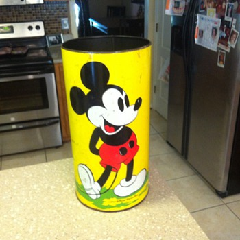 1950's Mickey Mouse, Minnie Mouse and Goofy trash can. - Advertising