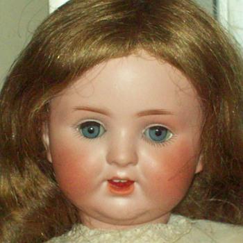 ANTIQUE 769 DOLL - Dolls