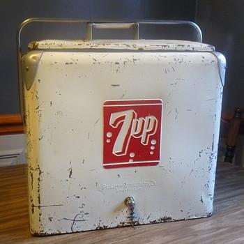 7up Metal Cooler! - Advertising