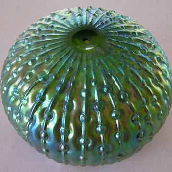 """SEA URCHIN""  -   KRALIK - Art Glass"