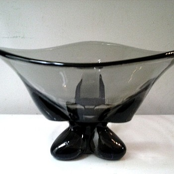 "Viking Glass Company /""Charcoal"" Three Foil Flared Bowl #1209 ""Epic"" Line / Circa 1956"