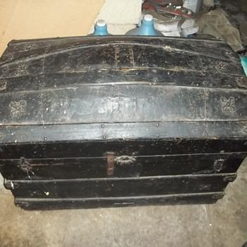 antique Barrel stave chest, trunk, steamer etc. - Furniture