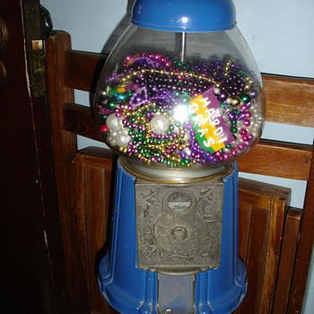 Old Gumball Machine - Coin Operated