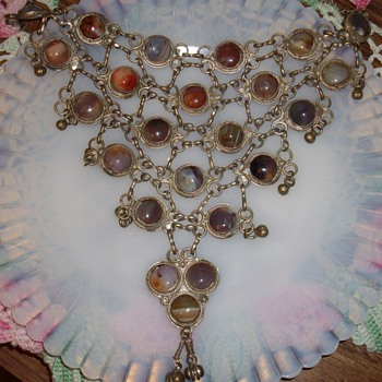Huge Bib necklace w/agate stones. - Costume Jewelry