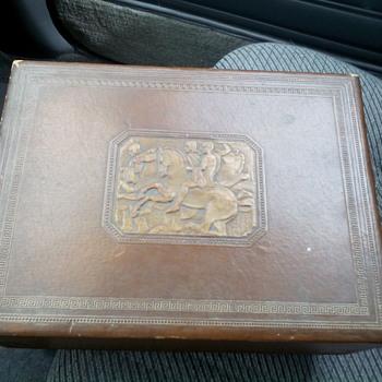 1940s John Middleton Inc. Philadelphia Tobacco Box - Tobacciana