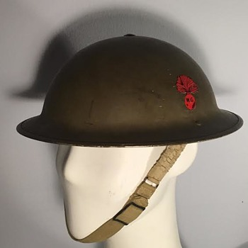 WWII Canadian Winnipeg Grenadiers Helmet - Military and Wartime