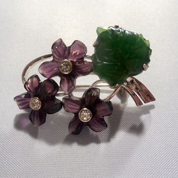 Silver and molded glass flower brooch - Costume Jewelry