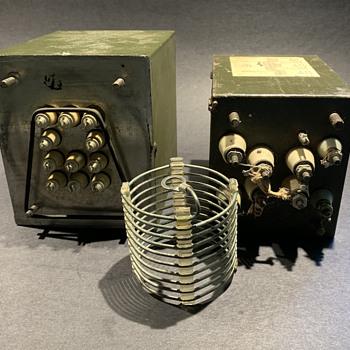 Vintage old short wave radio equipment identification - Radios
