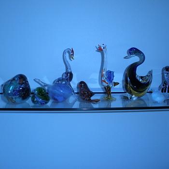 Avian assortment. - Art Glass
