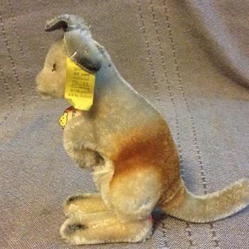 Steiff Kangaroo, Standing 4314,00