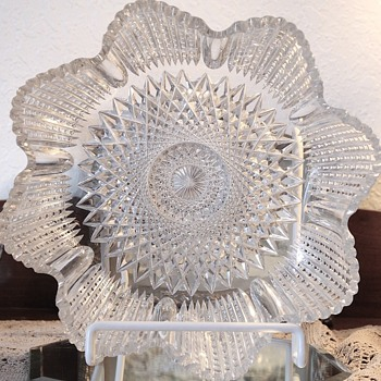 American Brilliant Cut Glass Bowl.  Meriden Cut Glass Company.