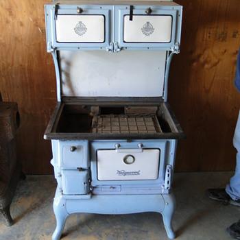 Wedgewood wood cook stove