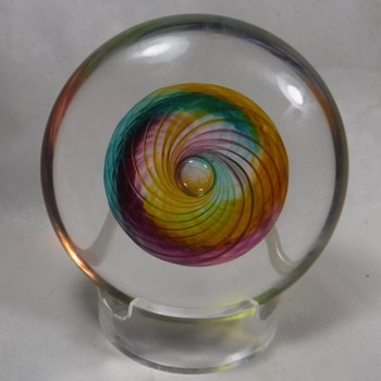 Jay Benda Art Glass Paperweight - Art Glass