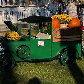 Vintage (replica?) Pedal Car - Toys